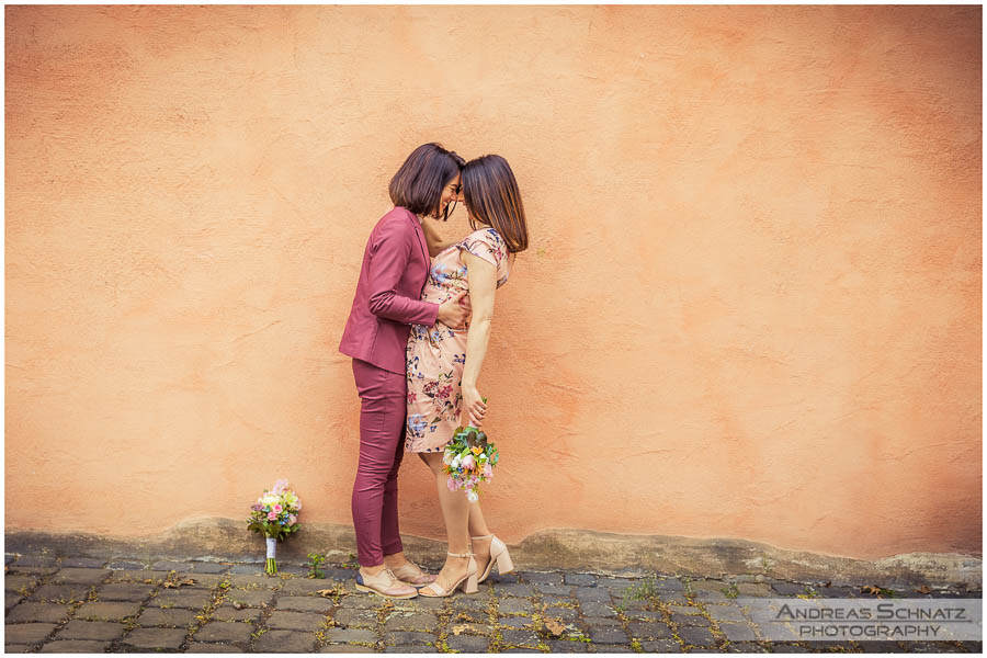 Hochzeitsbilder Frauenpaar Posthof Hattersheim